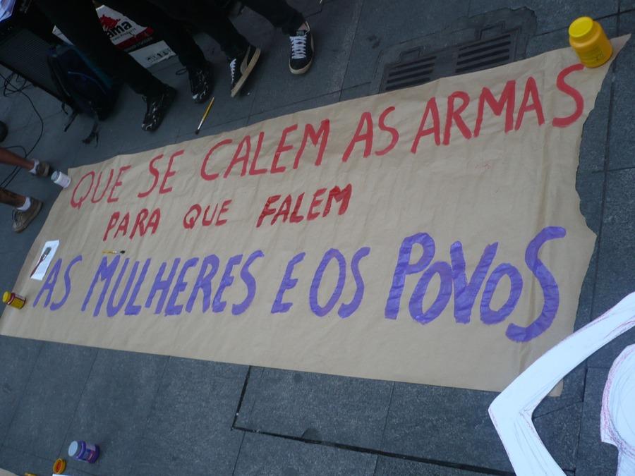 Mulheres e Povos contra a Militarização
