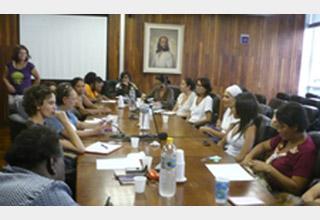 Associação das Mulheres na Economia Solidária (AMESOL) é fundada em São Paulo