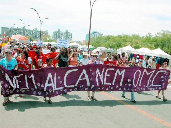 Movimentos sociais comemoram dez anos de vitória contra a ALCA