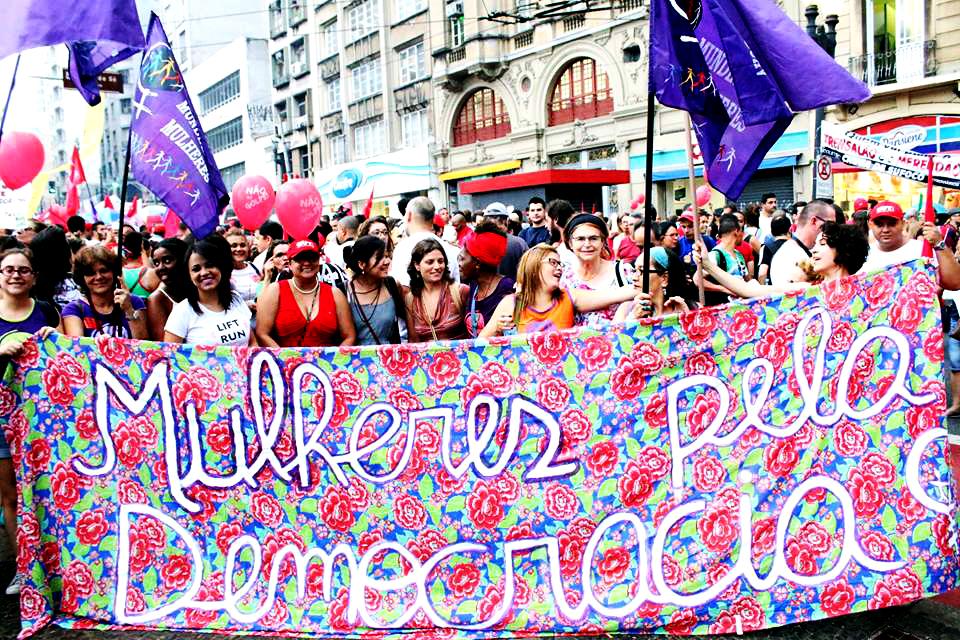 """O golpe, além de antidemocrático, é patriarcal, machista e patronal"""