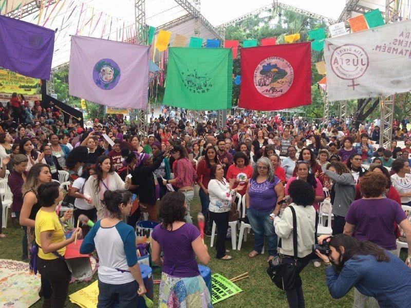 Plenária de mulheres no IV ENA: movimento, memória e força da agroecologia