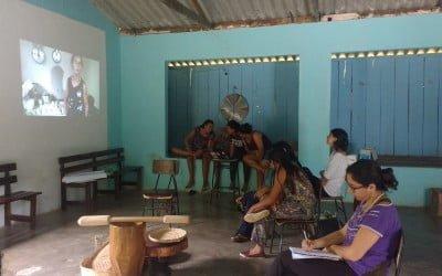 Jovens participam de oficina de comunicação em Barra do Turvo