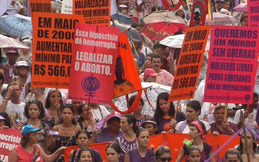 Salário mínimo e trabalho das mulheres são debatidoscom Bárbara Castrona SOF